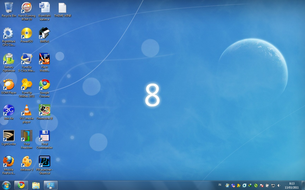 nya desktop background menjadi seperti windows 8, berhubung windows 8 ...